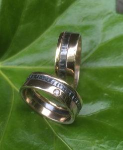 Geel - en witgoud ringen met gezwart zilver en diamant